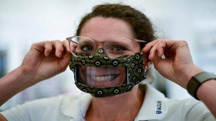 ماسک شیشه ای کم شنوایان