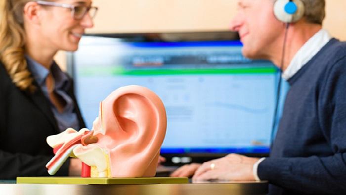 تست شنوایی در کلینیک شنوایی سنجی ملاصدرا